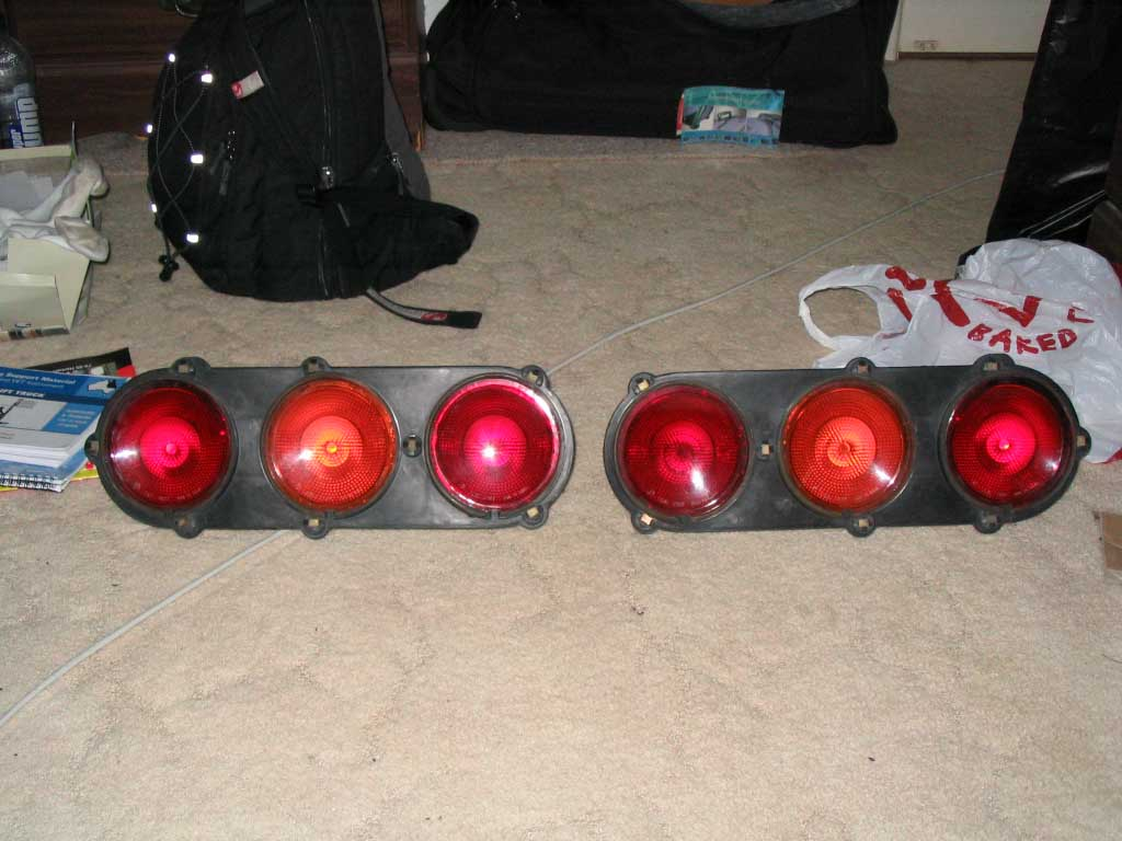 PB210\ 140\ 160Z \120YGX tail lights