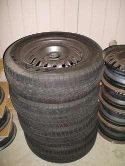 R31 steelies and michelin tyres for sale
