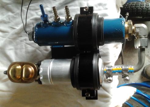 Surge tank and fuel pump