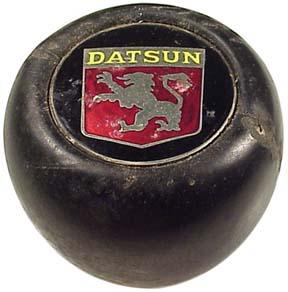 shift knob - Datsun shield with griffon