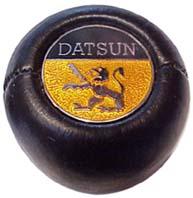 shift knob - Datsun half-circle with griffon