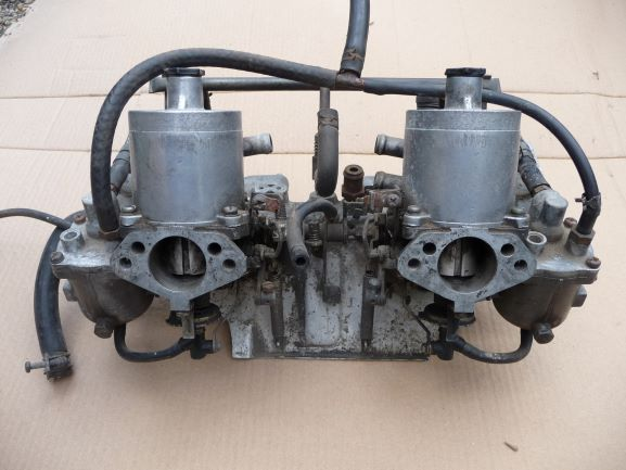 twin hitachis, maifold and air filter housing ex A14T (2)