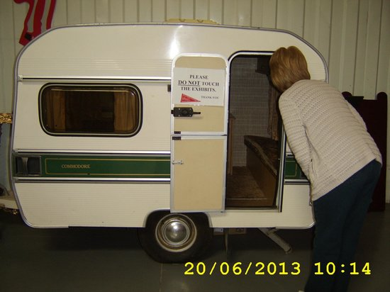 Tiny caravan suitable for the towbar on my KB10